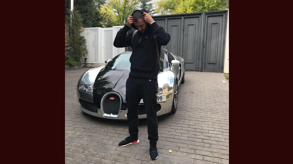 Karim Benzemá presume de Bugatti