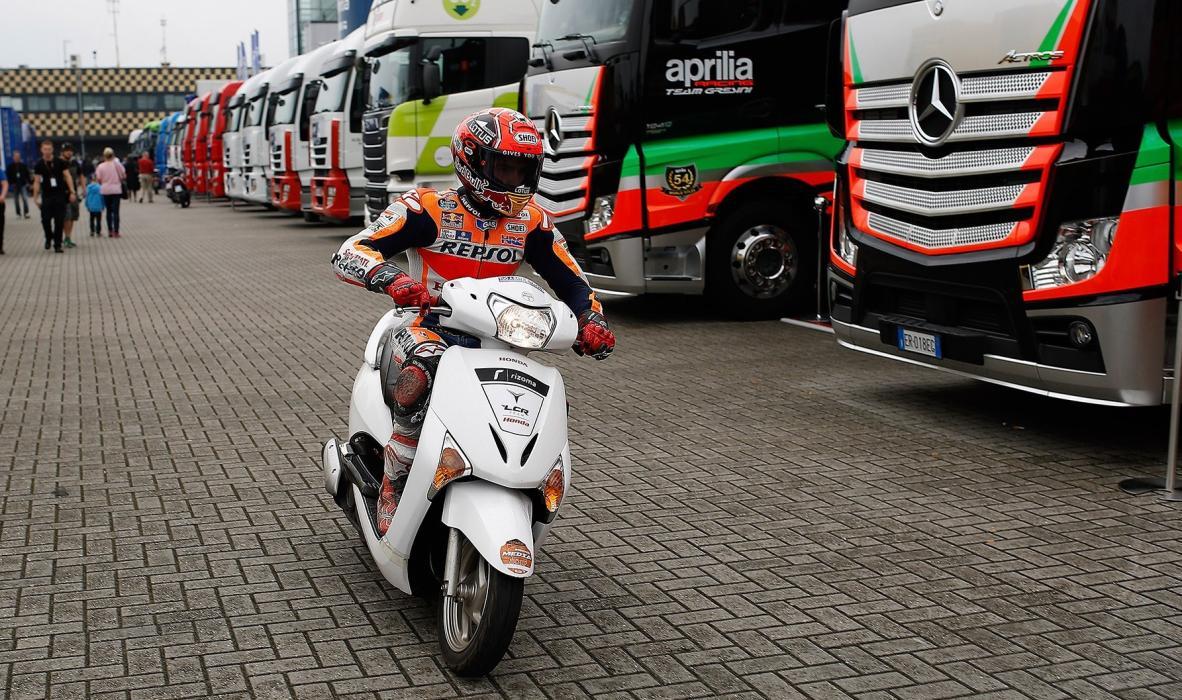 Accidente en Sepang: se acabaron los scooters en MotoGP