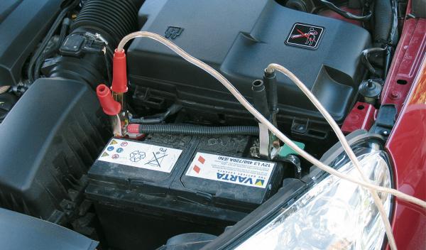 ¿Aguantará la batería de tu coche el frío que llega?
