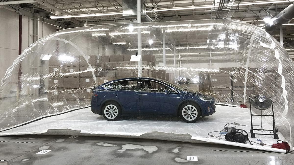 Tesla muestra que su defensa a armas biológicas funciona