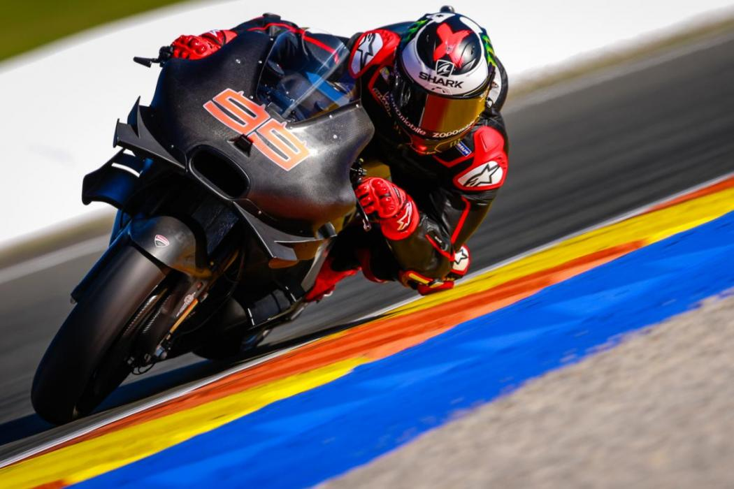 Lorenzo-Test-MotoGP-Valencia-2017