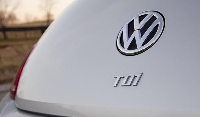 Francia podría prohibir la venta de diésel de VW y Renault