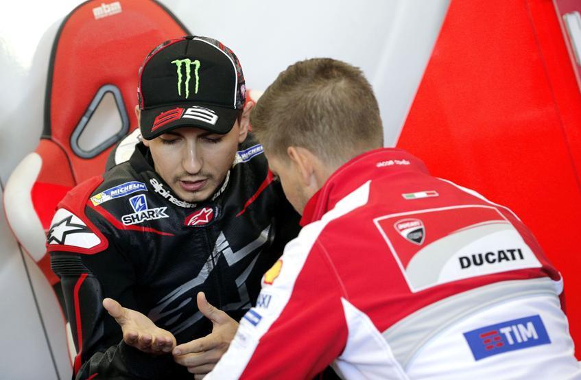 """Lucchinelli: """"Jorge Lorenzo ganará en Qatar con la Ducati"""""""