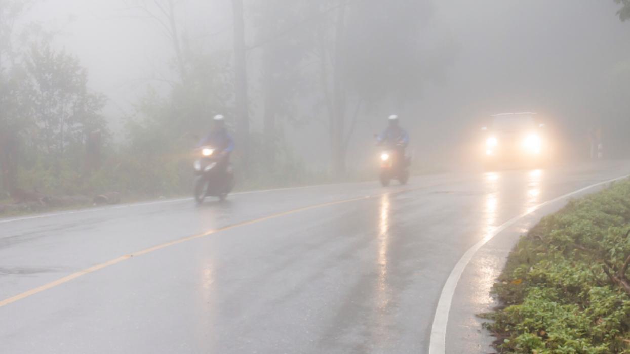 Conducción-niebla-moto-scooters