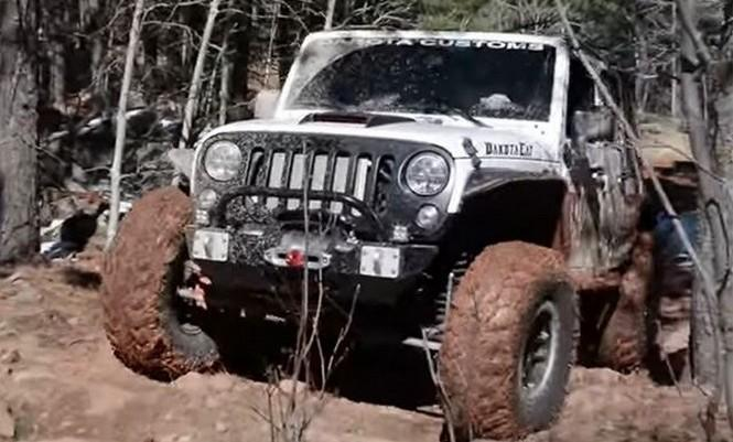 Este Jeep Wrangler V8 Hellcat es toda una máquina