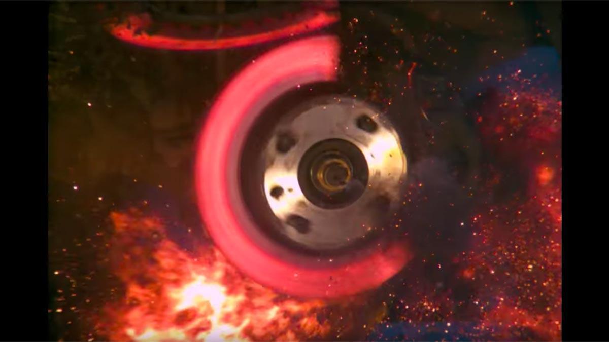 Vídeo: así explota un disco de freno. ¡Bru-tal!