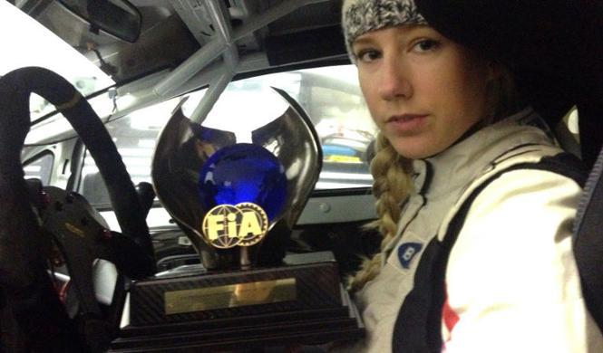 Piloto subasta su trofeo para correr en el Rally de Suecia