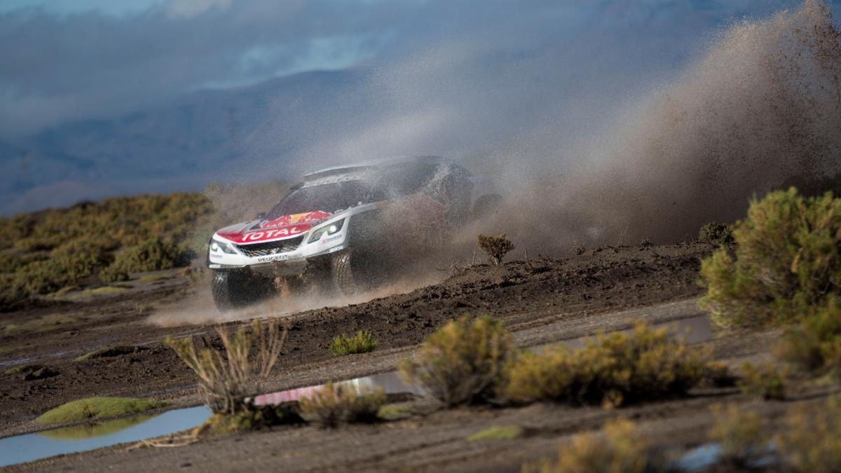 Dakar 2017. Coches, Etapa 8: Loeb va a por todas
