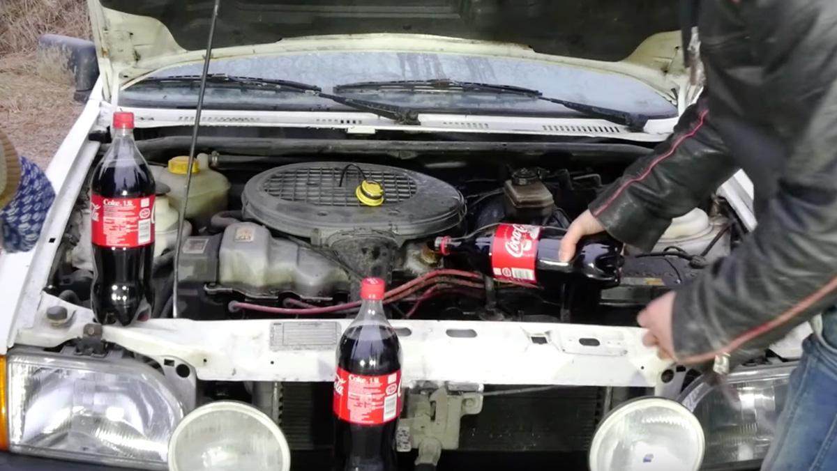 ¿Qué ocurrirá si cambias el aceite del coche por Coca-Cola?