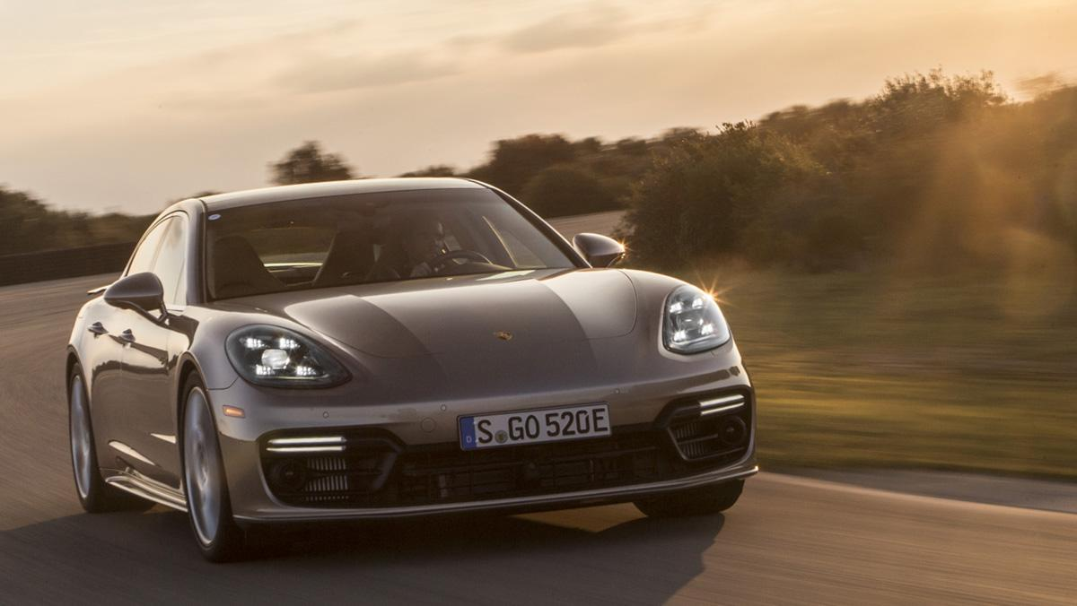 Porsche Panamera Turbo S E-Hybrid 2017 frontal