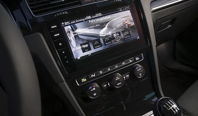 Con Car-Net, el VW Golf entra en la era del coche conectado