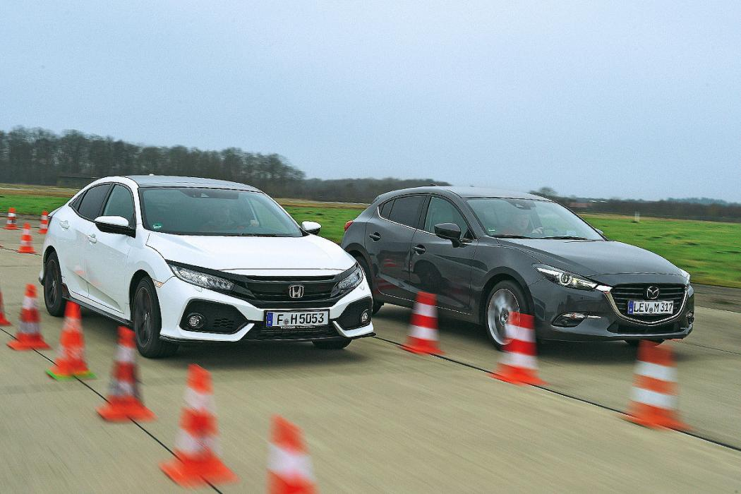 Honda Civic 2017 vs Mazda3