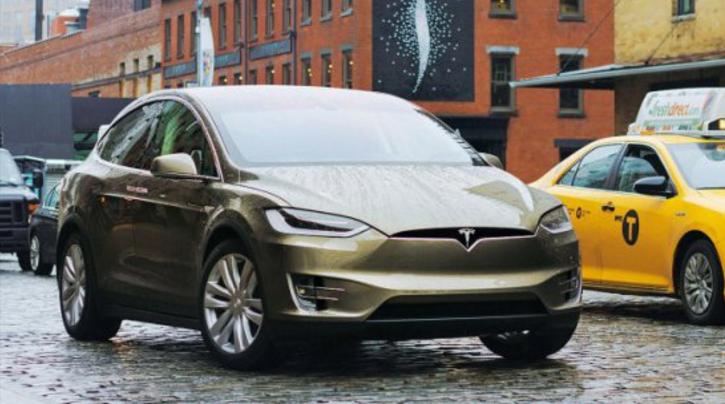Tesla llama a revisión a 53.000 Model S y X
