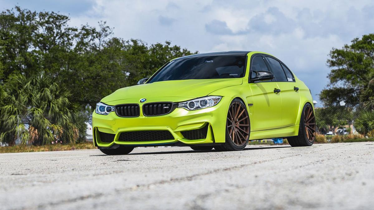 BMW M3 verde lima cromado llantas bronce