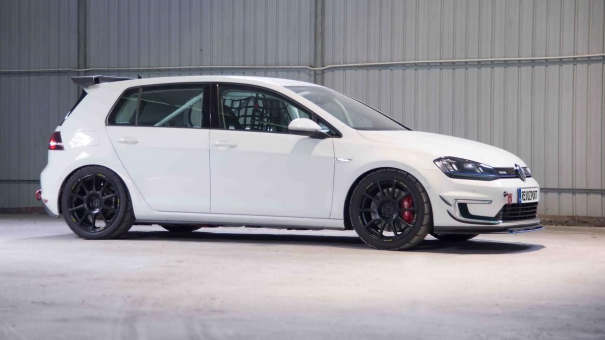 Volkswagen e-Golf 2017 RevoZport