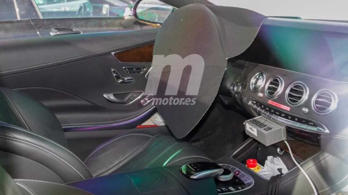Interior Mercedes-AMG S63 Coupé 2018