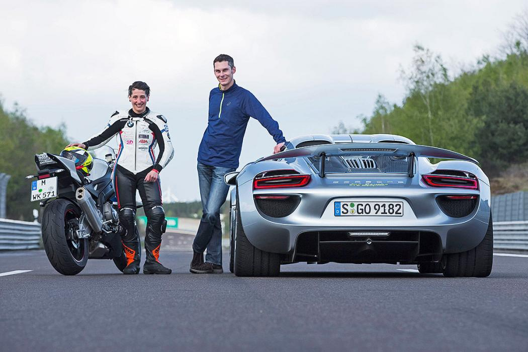 Comparativa coche-moto: BMW S 1000 RR vs Porsche 918 Spyder