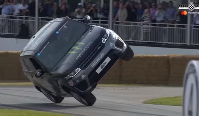 Vídeo: Range Rover Sport SVR a dos ruedas en Goodwood