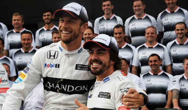 "Button bromea con Alonso: ""me voy a mear en tu asiento"""