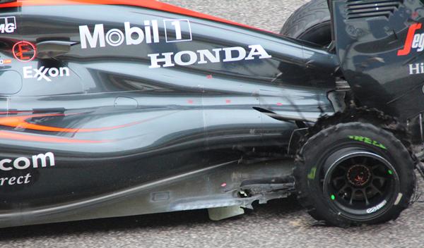 Fernando Alonso remontó en Austin con el coche dañado