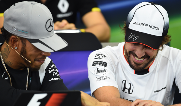 """Hamilton, rotundo: """"no vais a ver a Alonso en Mercedes"""""""
