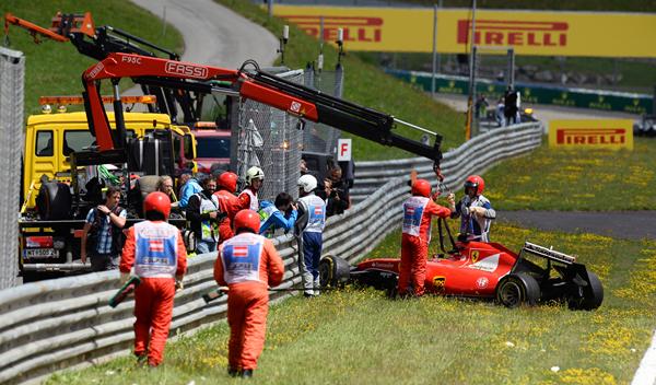 Räikkönen y Alonso en Austria, accidente más caro de 2015