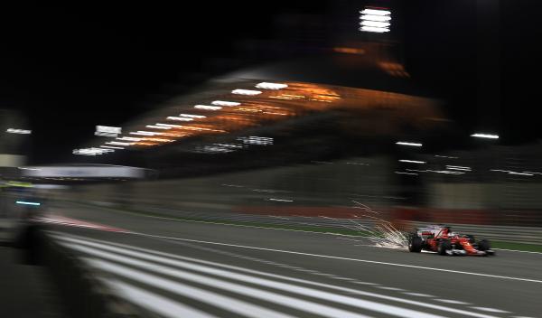 Resultados Fórmula 1 Bahréin: Vettel triunfa en la noche