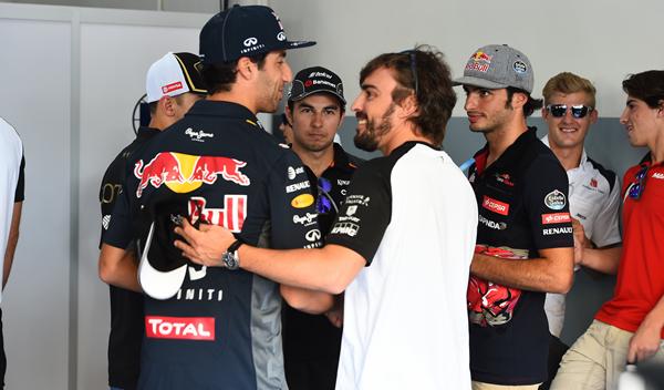 """RIcciardo es el mejor piloto para Alonso: """"ganó a Vettel"""""""