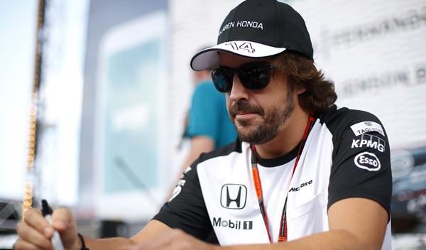 Ron Dennis habla de un año sabático de Alonso en 2016