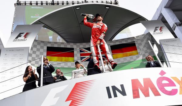 Sancionan a Vettel y pierde el podio a favor de Ricciardo