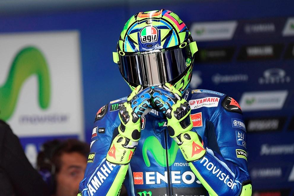 """Valentino Rossi: """"Márquez está líder por minimizar mejor los daños"""""""