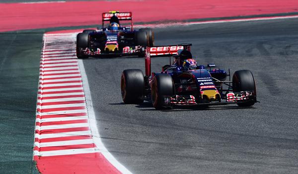 Verstappen y Sainz, los que más han adelantado en 2015