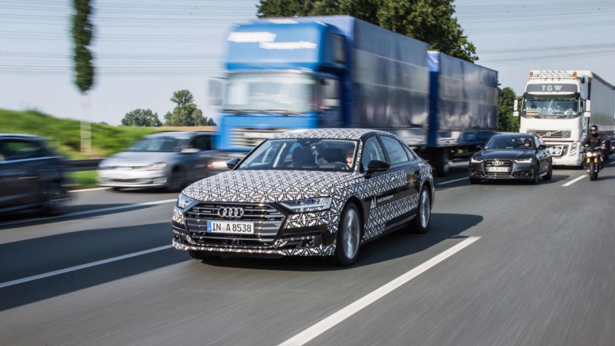 A bordo del nuevo Audi A8 equipado con Traffic Jam Pilot ...