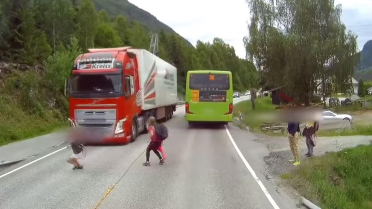 frenada emergencia niños Volvo