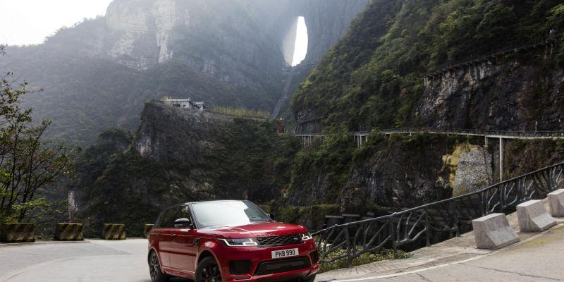 El Range Rover Sport PHEV sube hasta la 'Puerta del Cielo'
