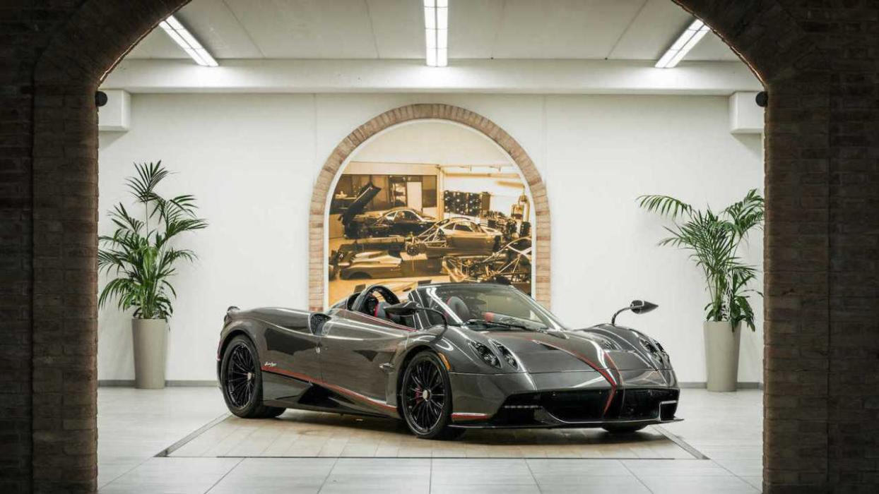 Pagani Huayra Roadster soft-top
