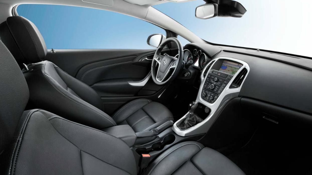 Tres secretos del interior del Opel Astra GTC -- Autobild.es
