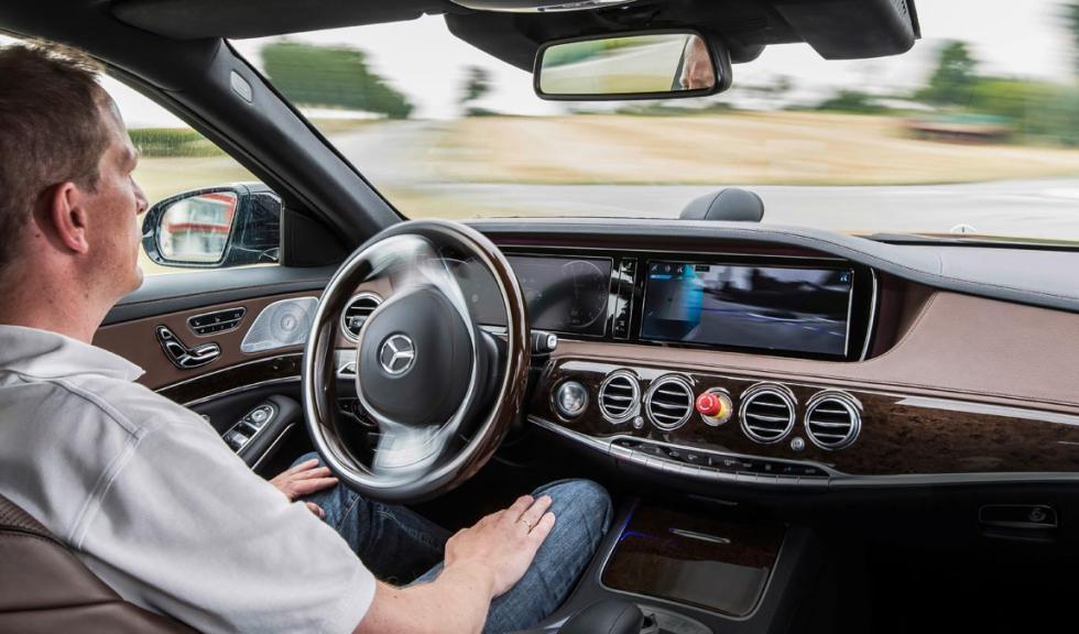 Mercedes conducción autonoma tecnologia futuro