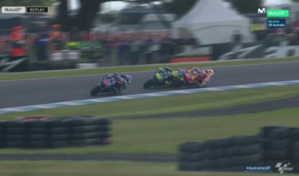 Vídeo: Toque entre Marc Márquez y Valentino Rossi durante la carrera de Australia
