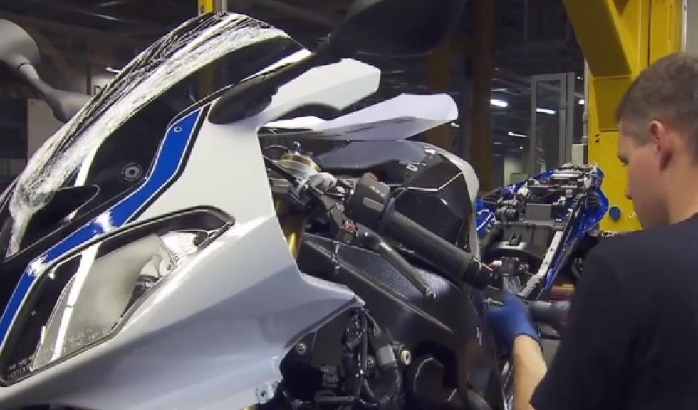 VÍDEO: Cómo se construye una moto BMW desde cero