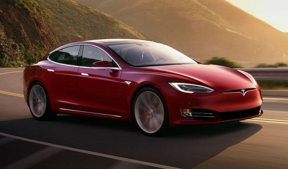 Tesla Model S o Toyota Mirai, ¿cuál es mejor para James May? Tesla-model-s_2