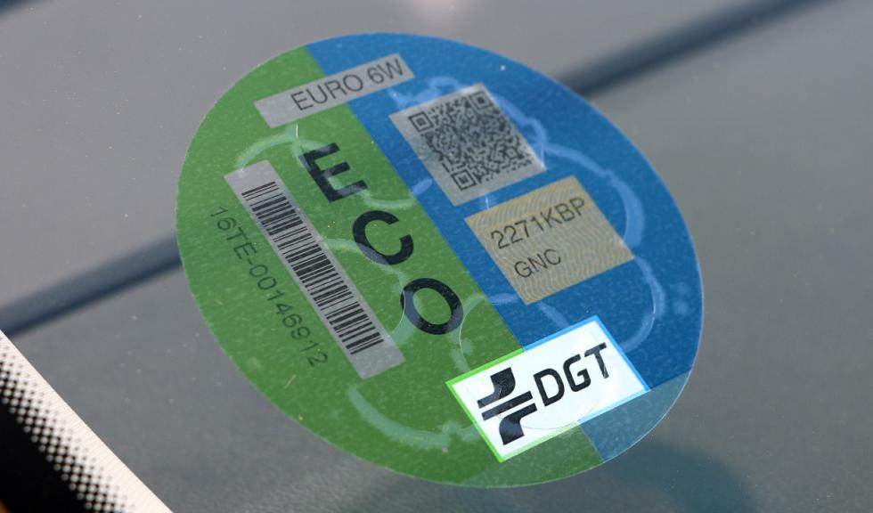 La DGT cobrará por solicitar la etiqueta ambiental a partir del 1 de enero Etiqueta-eco